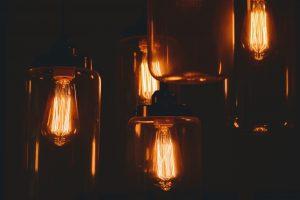 lampáše v izbe